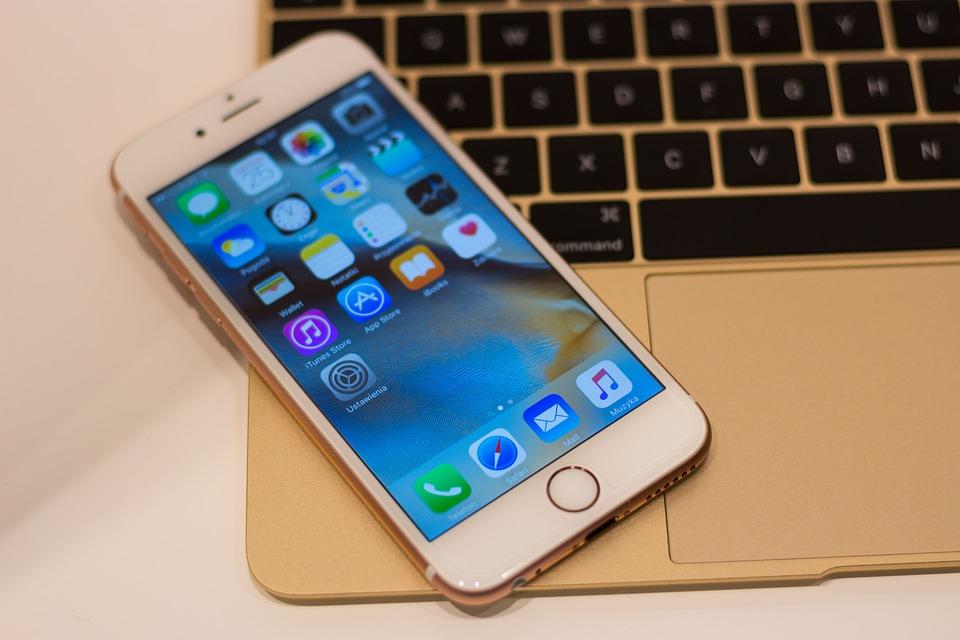 Продажи iPhone отApple неожиданно упали