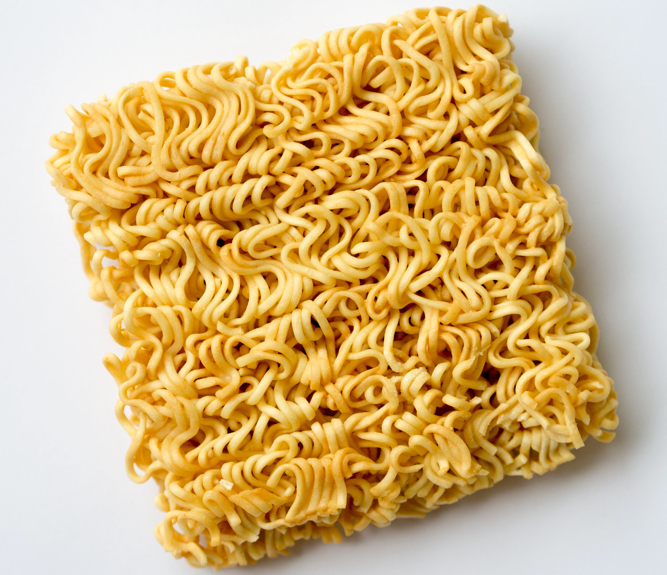 Оригинал: https://commons.wikimedia.org/wiki/File:Mama_instant_noodle_block.jpg