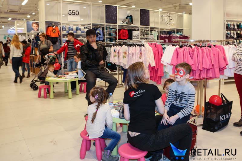 38b92a79b Для такого большого магазина был правильно выбран торговый центр :  «АВИАПАРК», в котором также сделана основная ставка на семейно-детский  досуг.