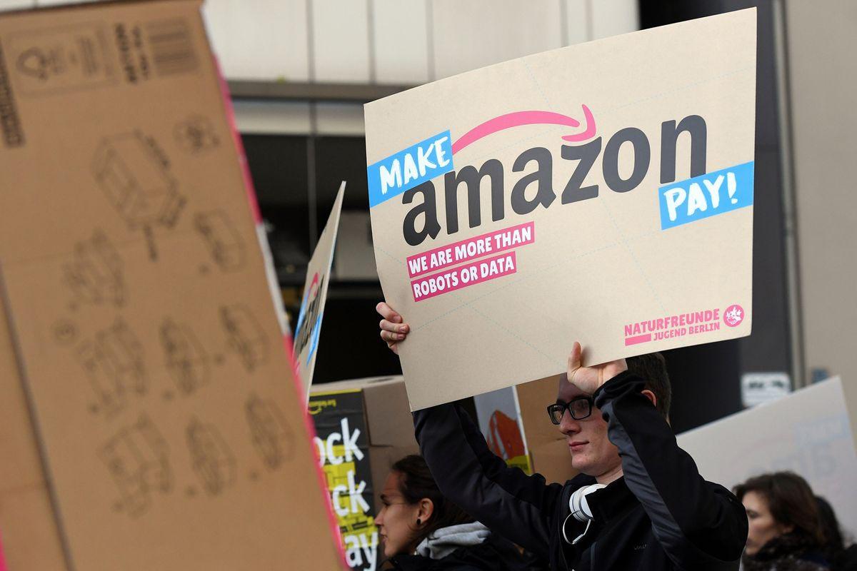«Заставь Amazon платить: Мы люди, а не роботы или информация»