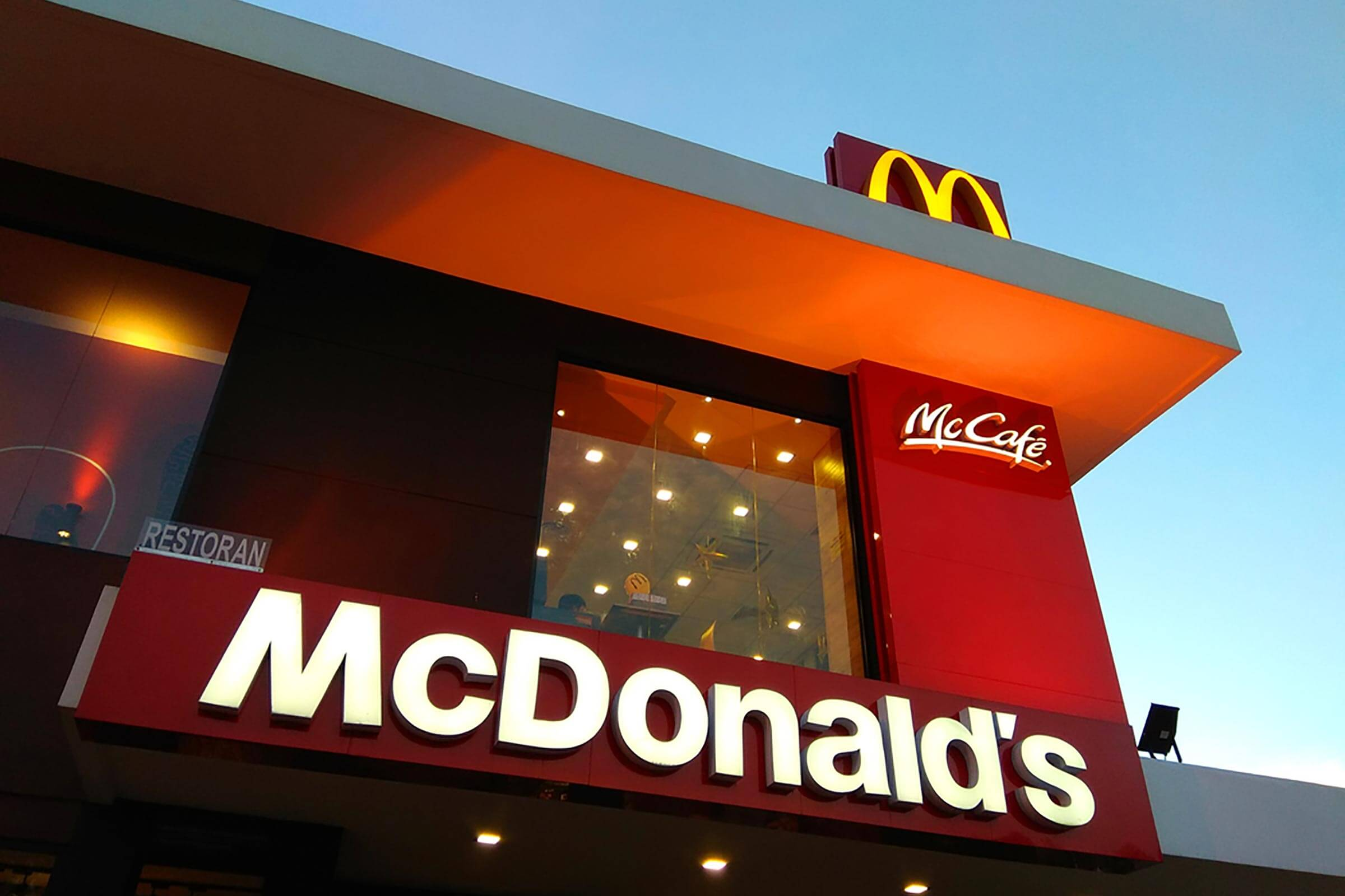 01_macdonalds_countries-that-have-banned-mcdonald-s_678182368-editorial-ty-lim.jpg