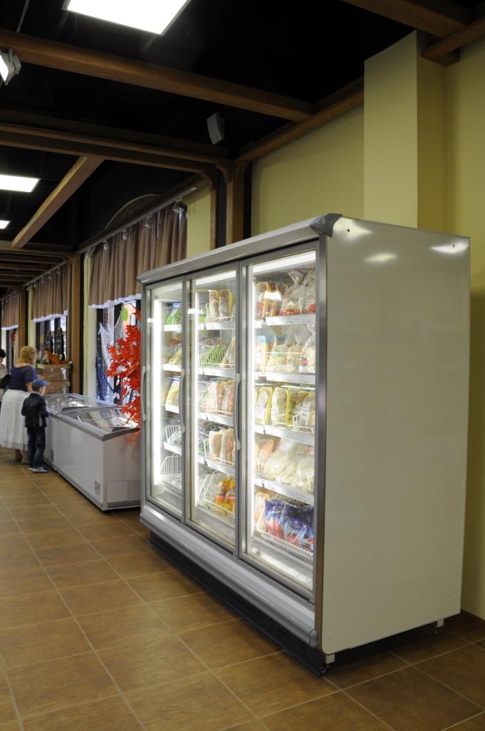 супермаркет Деревня Морозильный шкаф - горка