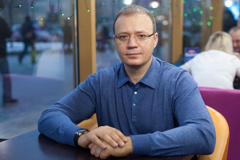 Александр Валеев