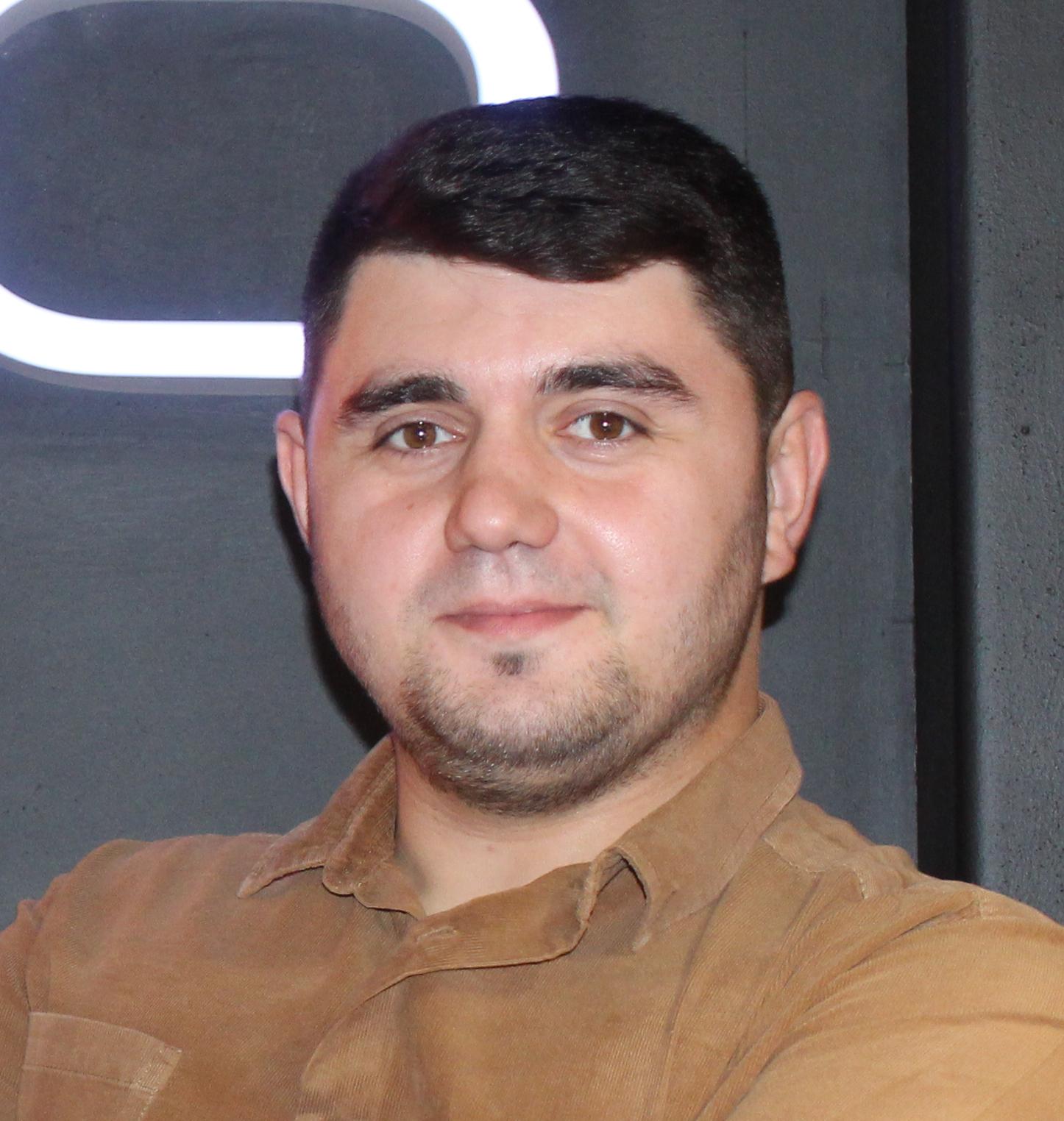 Артем Идрисов