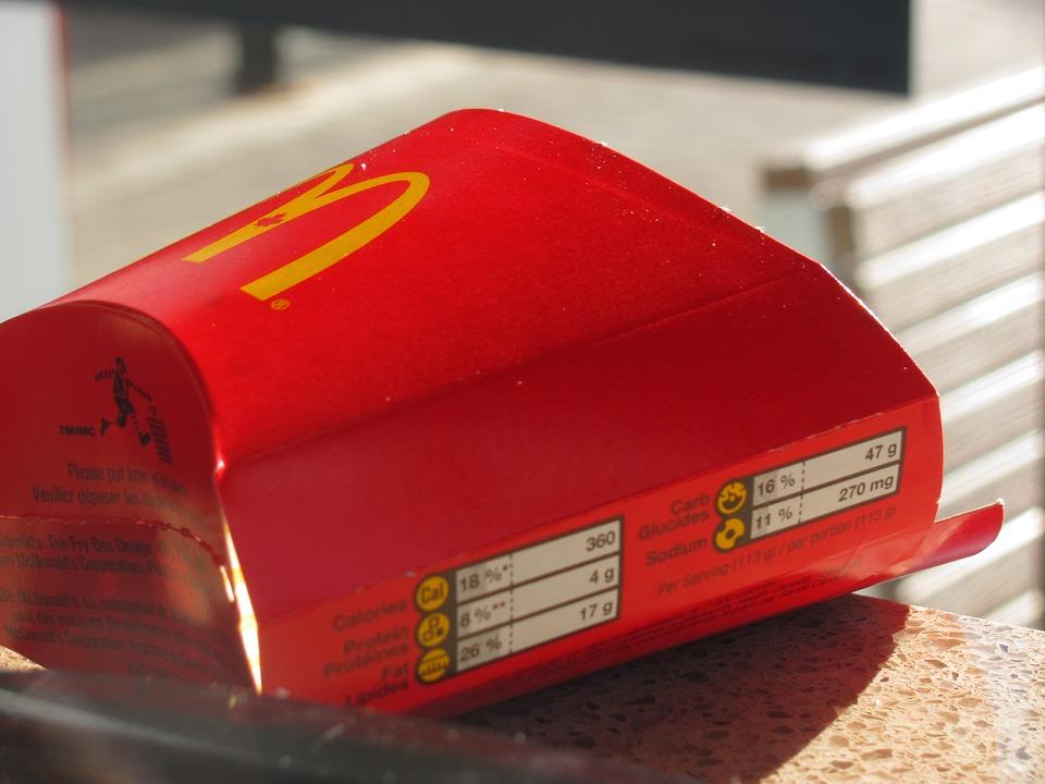 McDonald's откроет натреть менее ресторанов в2015г.