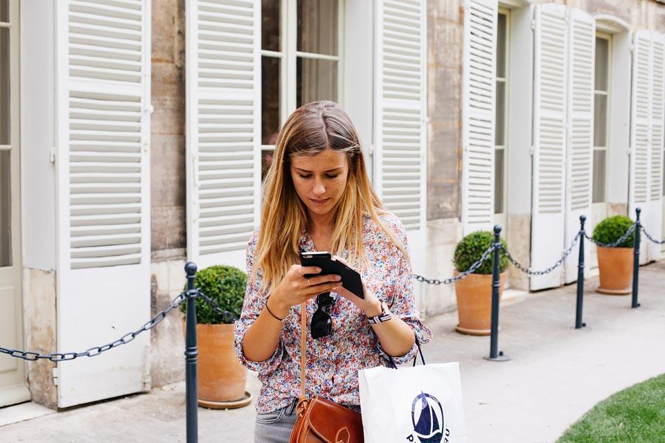 Браузеры — на компьютерах, приложения — на смартфонах