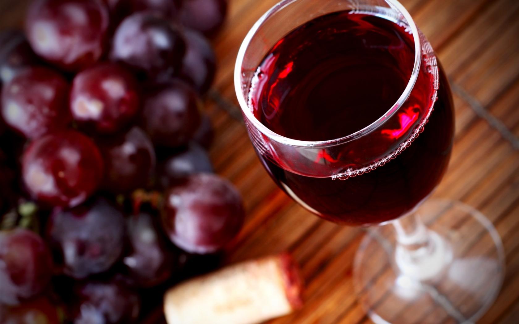 Импортеры вин начали увеличивать цены из-за указа министра финансов