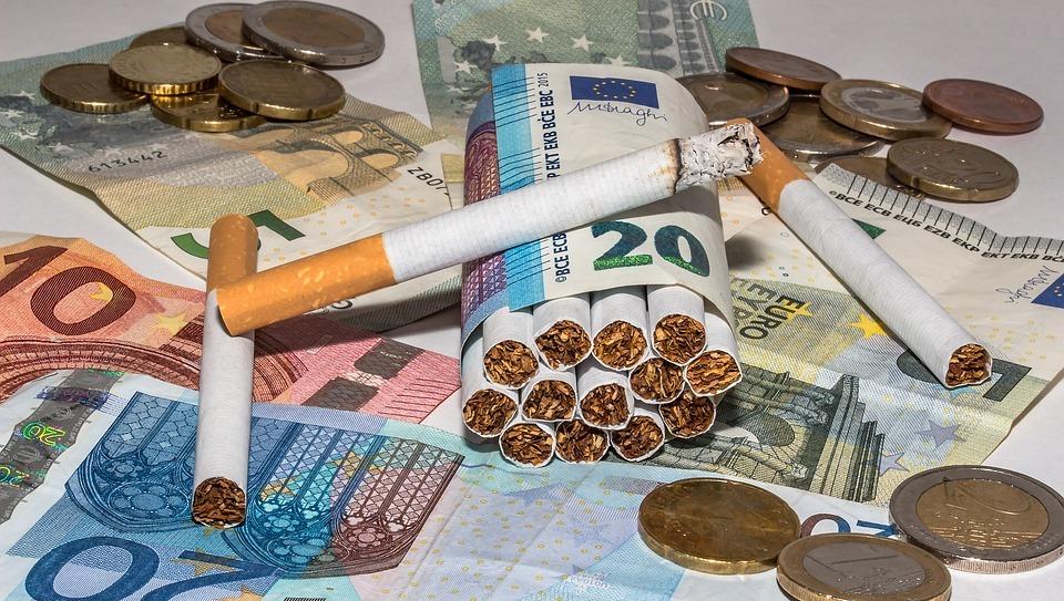 Минздрав предложил торговать сигареты вduty free пополной цене